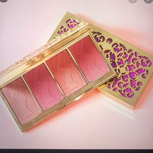 NEW Limited-Edition Blush Bliss Palette